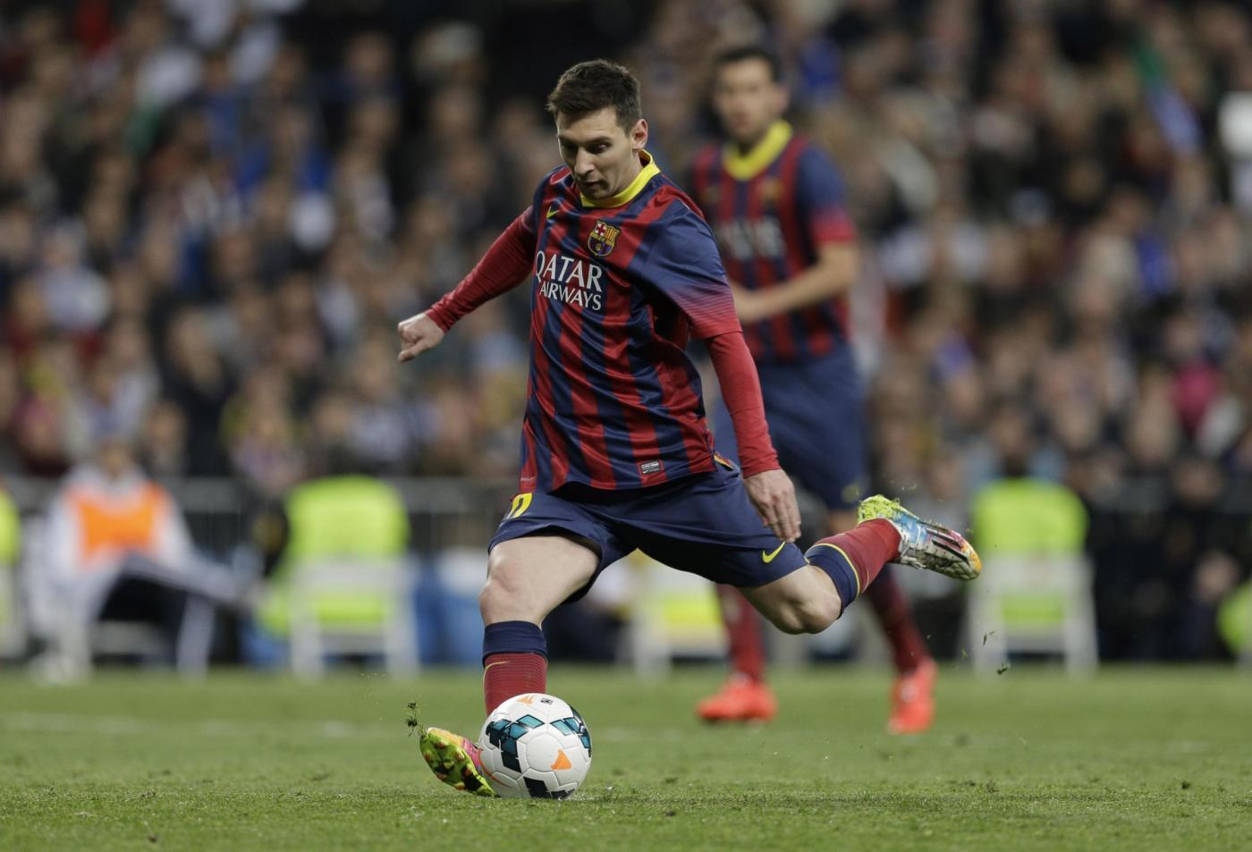 Messi calcia il rigore