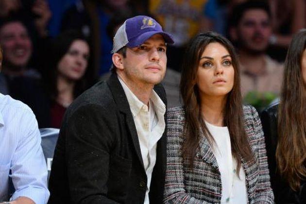 Mila Kunis incinta di Ashton Kutcher: la coppia in attesa di una femminuccia