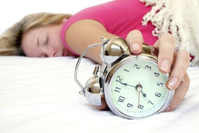 Cambio dell'ora: gli effetti sulla salute e i rimedi utili