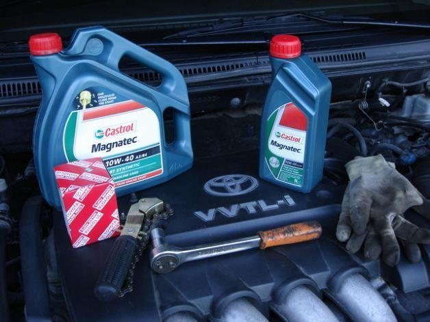 Cambio olio motore auto: come e quando si effettua