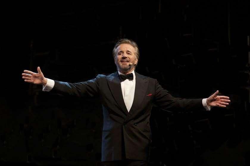 Dopo 13 tappe, Christian De Sica conclude la sua tournée di Cinecittà nell'amata Roma
