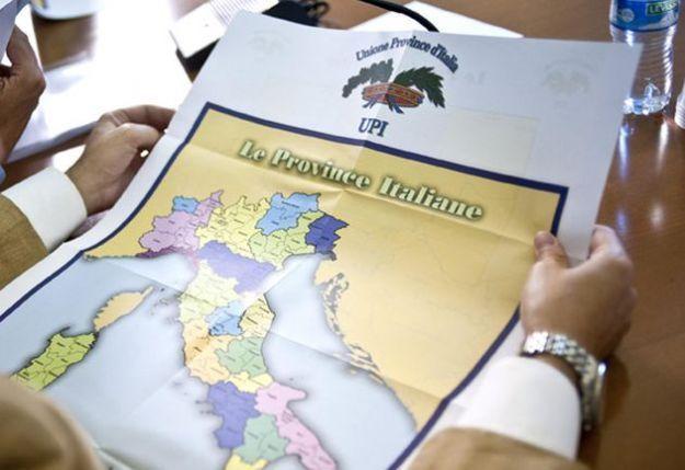Province, tutti gli sprechi degli enti che andrebbero aboliti