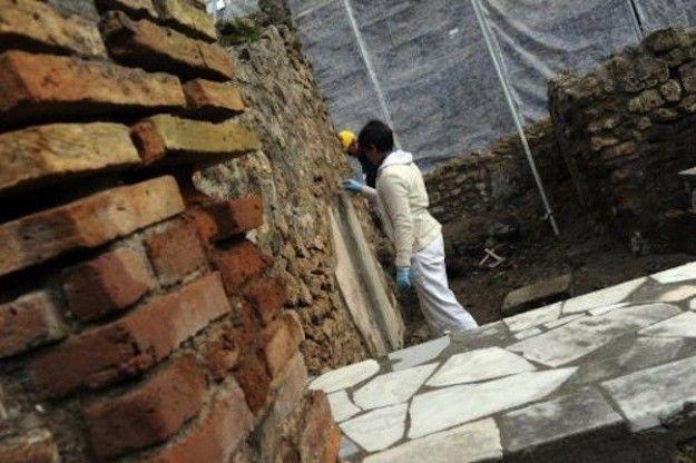 Crolli a Pompei: continua lo scempio della nostra cultura