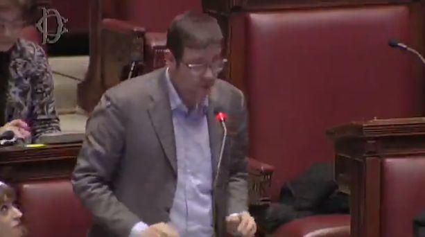 """Davide Tripiedi del Movimento 5 Stelle: """"Sarò breve e circonciso"""""""