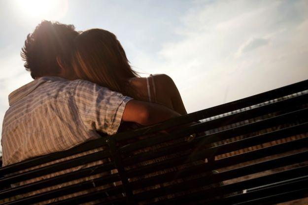 Fare l'amore in pubblico? Coppia di Napoli beccata all'Università