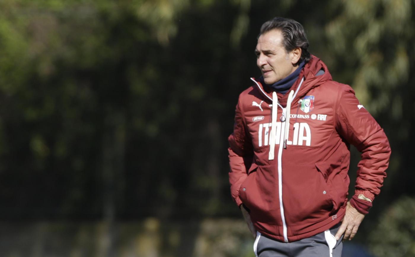 Cesare Prandelli rinnova con la Nazionale fino al 2016