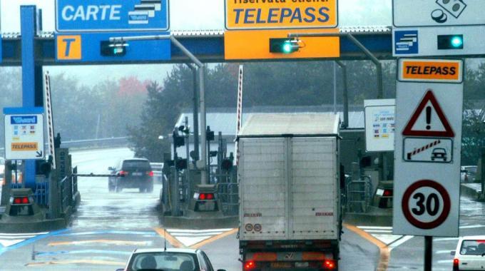 Pedaggio autostradale Italia 2014: calcolo pagamento, tariffe e telepass