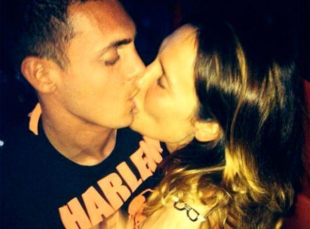 Nicole Minetti e Claudio D'Alessio: bacio appassionato su Twitter