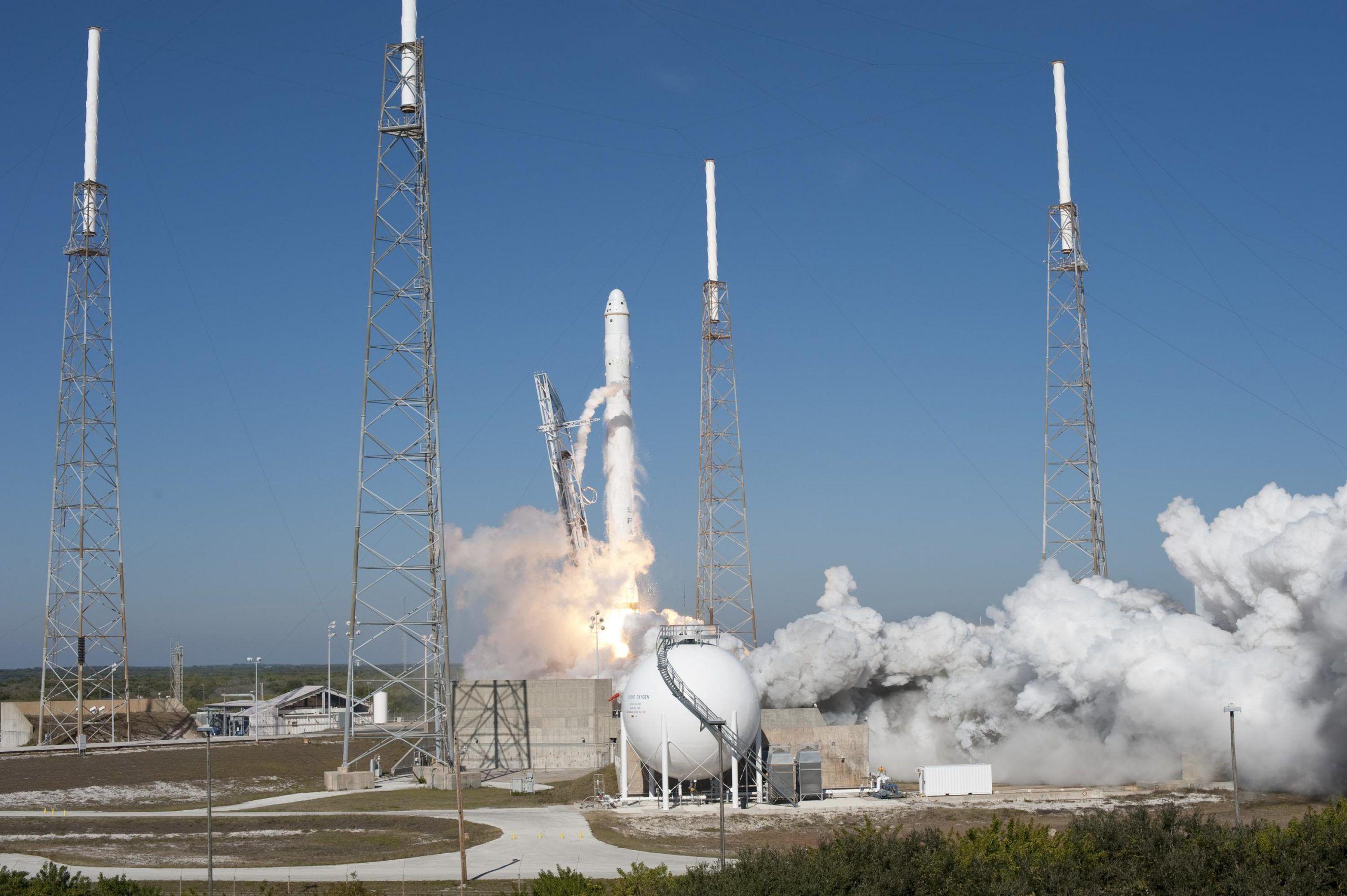 Falcon 9 verso la ISS: la conquista commerciale dello spazio