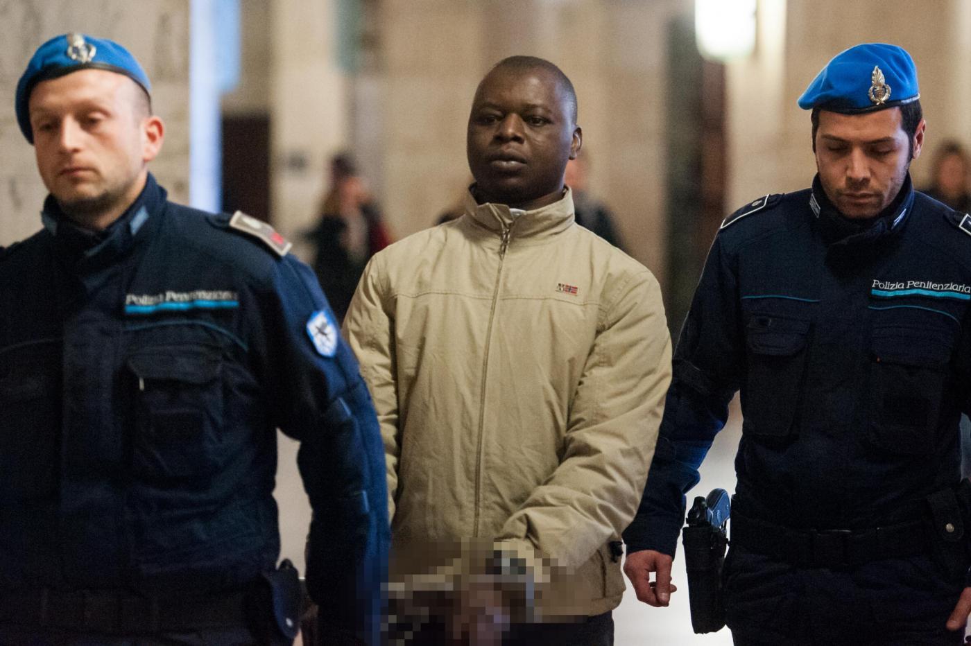 Kabobo condannato a 20 anni: uccise 3 passanti a picconate