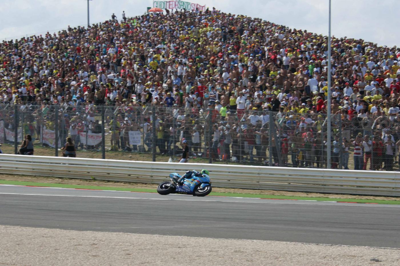 Emanuele Cassani muore a Misano durante il Campionato Italiano di velocità