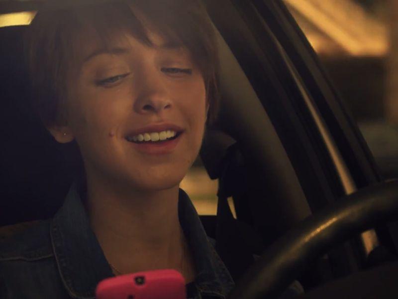 Incidente shock: non usate mai il cellulare alla guida