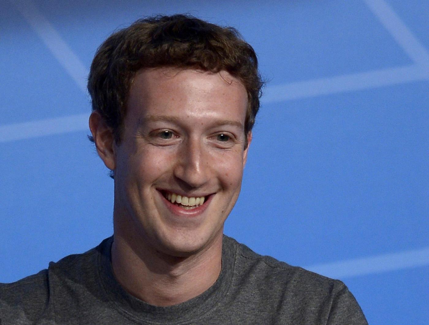 Zuckerberg taglia lo stipendio