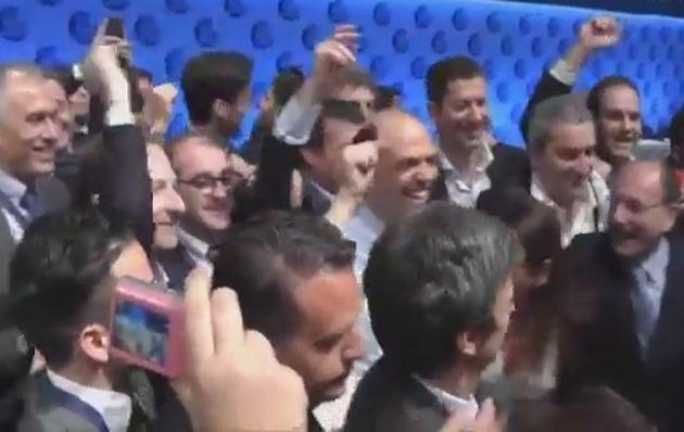 Alfano e Schifani ballano sulle note di Happy