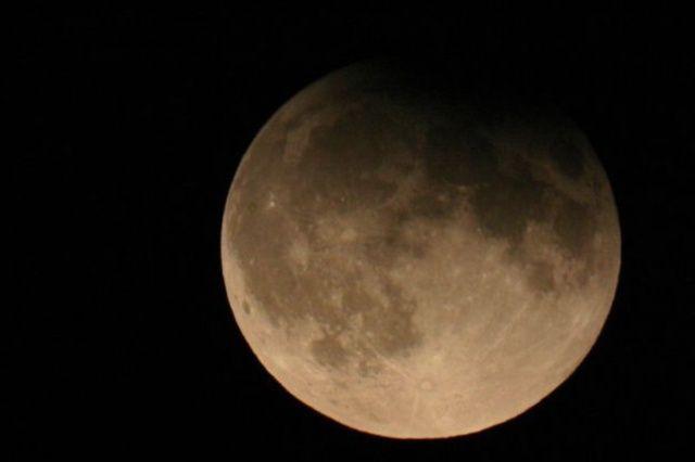 Doppia eclissi di Luna e Sole ad aprile: ma in Italia non si vedrà