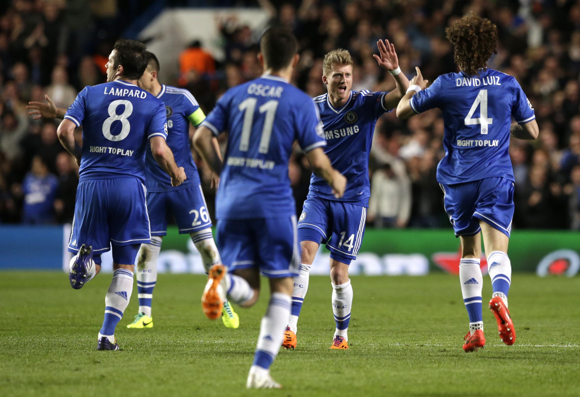 Champions League: spettacolo europeo, passano Chelsea e Real Madrid