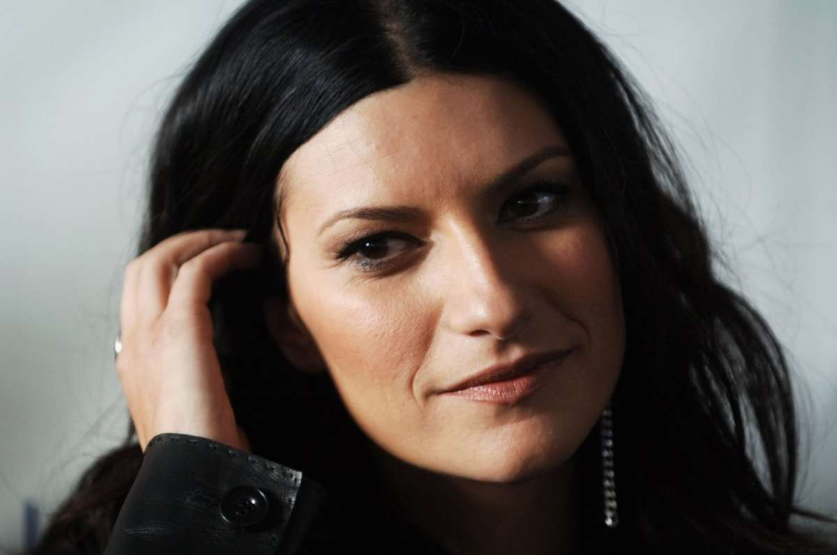 Concerto Radio Italia 2014: tra gli artisti e i cantanti sul palco di Milano anche Laura Pausini