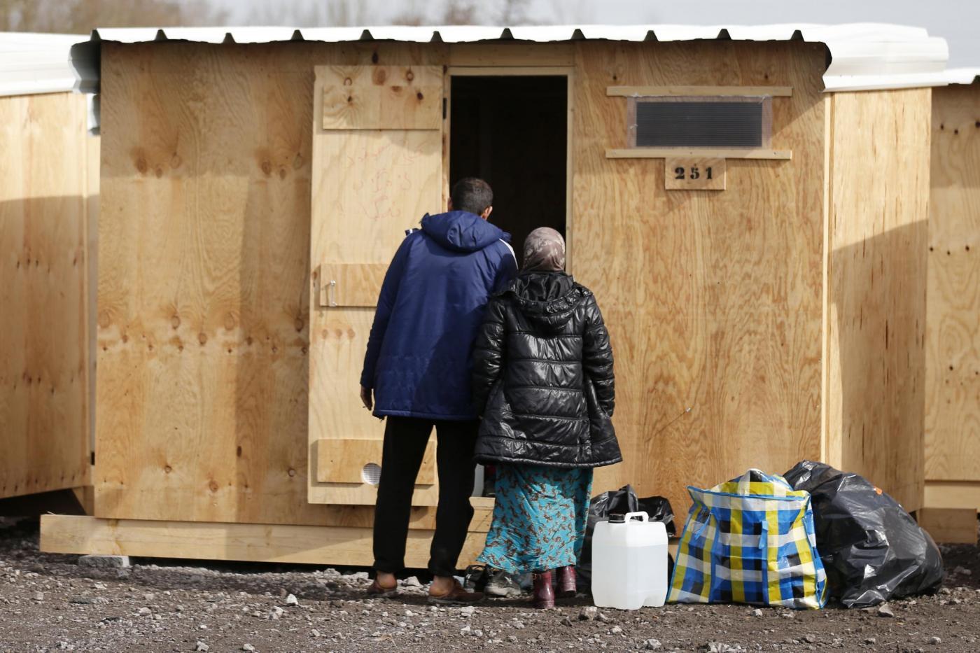 Francia, il nuovo campo di accoglienza migranti di Grande Synthe