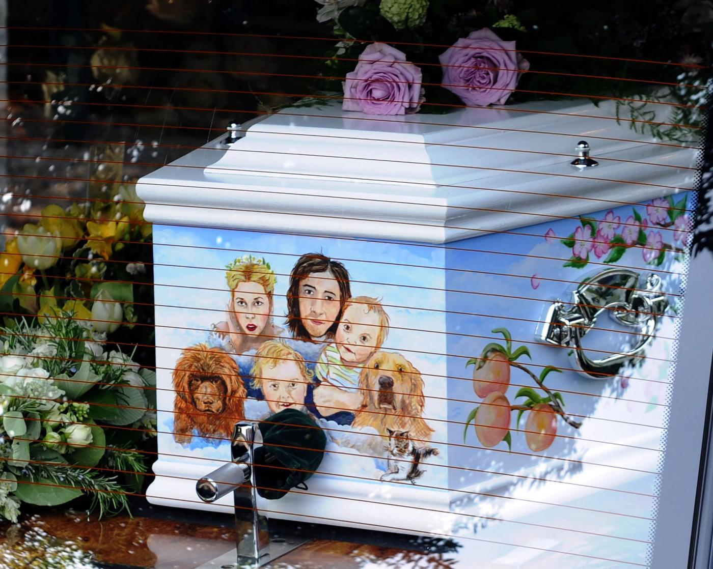 Peaches Geldof: funerali con l'addio di tanti amici vip