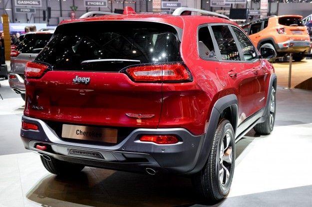 posteriore e bagagliaio della nuova jeep