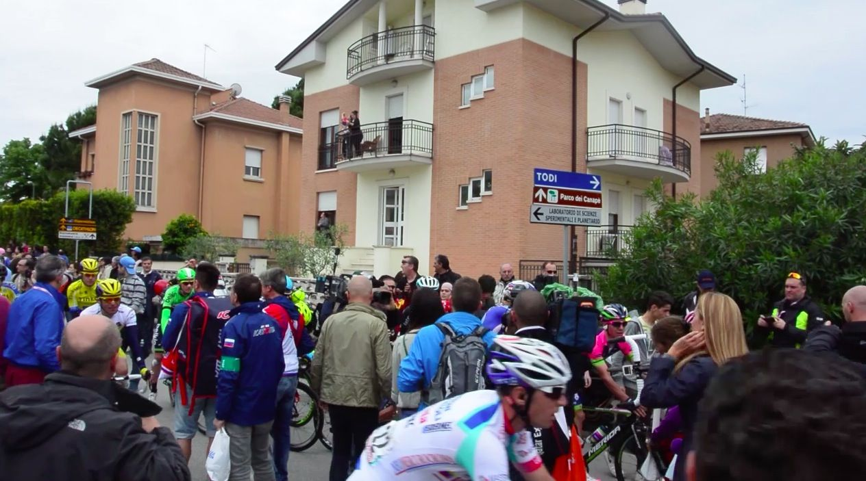 Arrivo del Giro Italia al traguardo