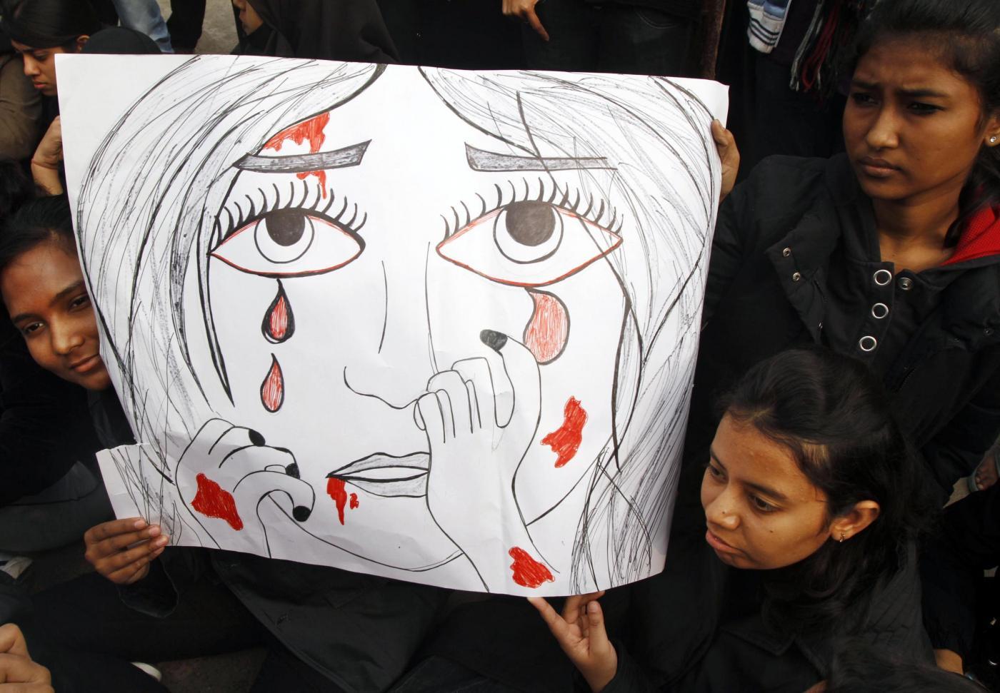 Bambine stuprate