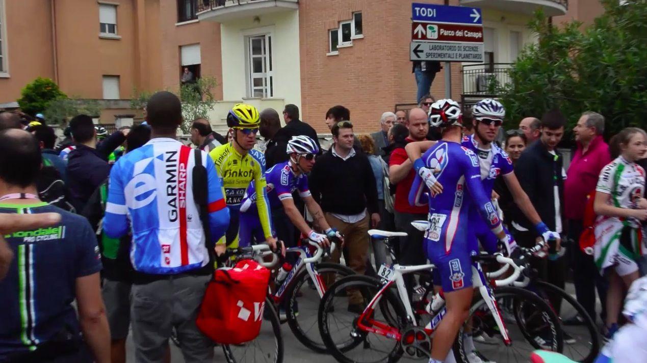 Quando il Giro d'Italia arriva al traguardo: il dietro le quinte