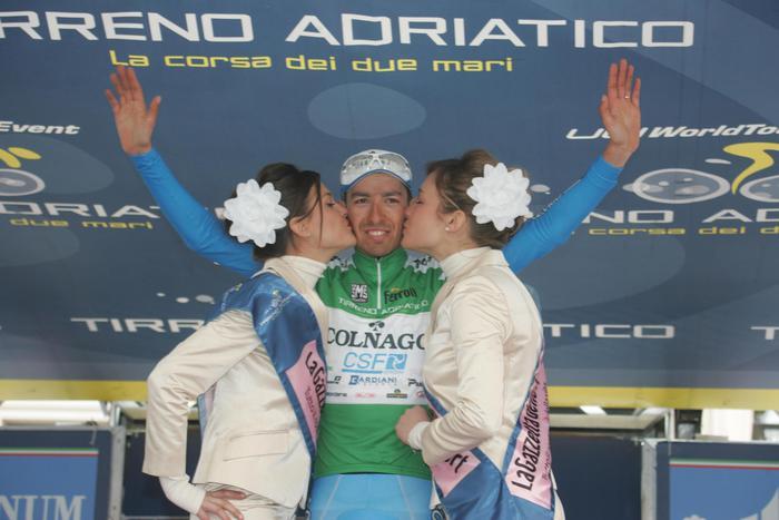 Giro d'Italia 2014, tappa 17: vince Pirazzi, Quintana tiene la maglia Rosa