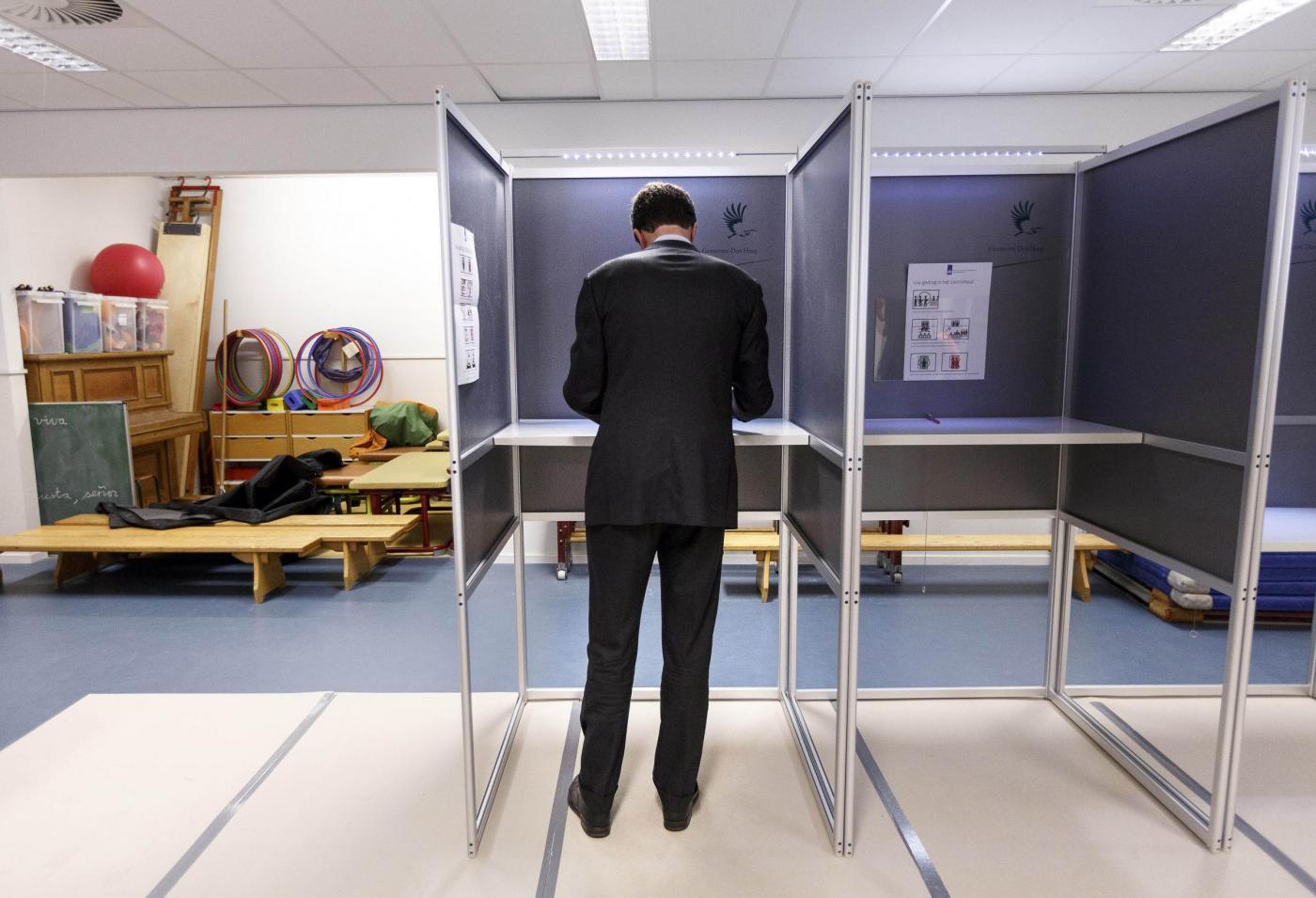 Elezioni europee 2014, seggi elettorali aperti: al via la maratona