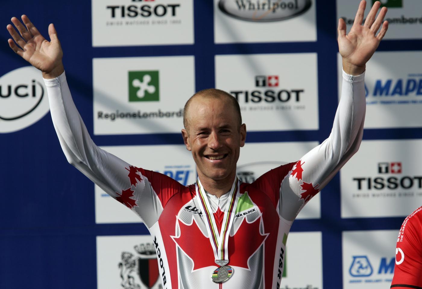 Giro d'Italia 2014: Svein Tuft festeggia il 37esimo compleanno con la maglia rosa