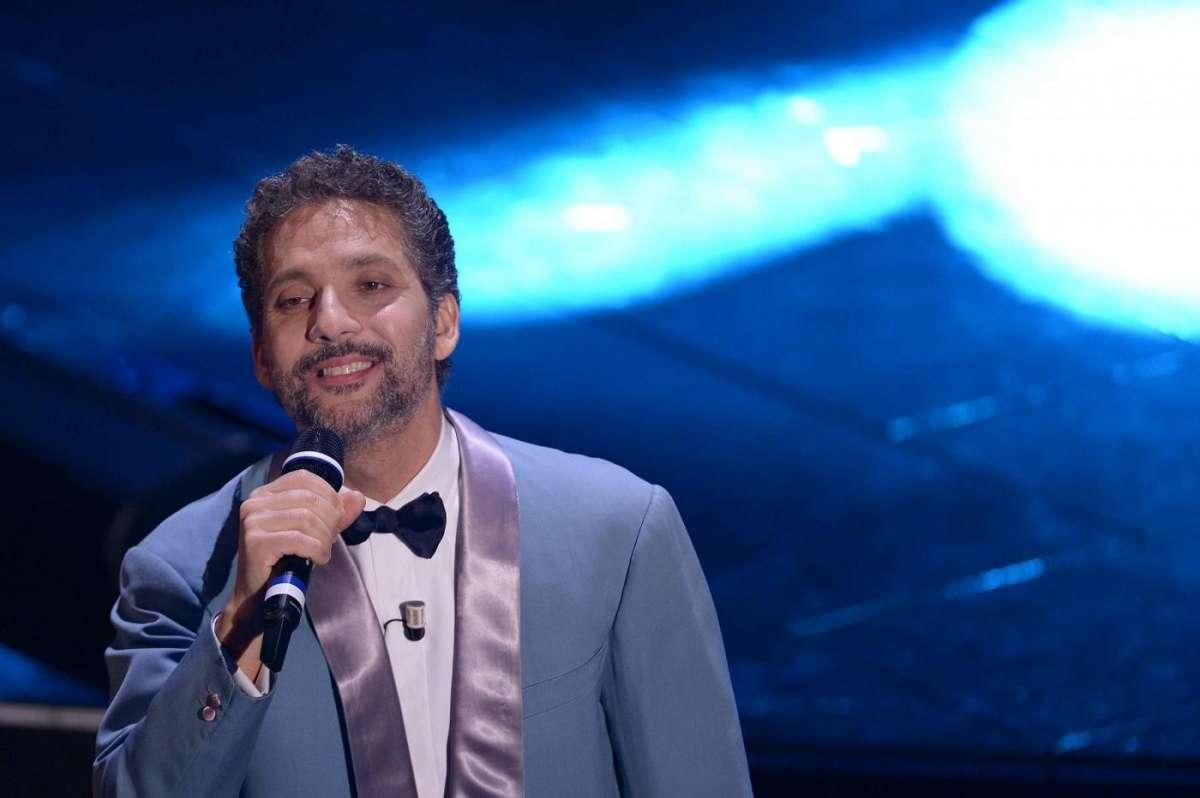 Beppe Fiorello a teatro: Modugno bloccato dagli eredi del cantante