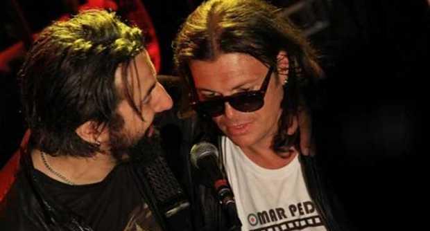 Gianluca Grignani ubriaco interrompe il concerto di Omar Pedrini