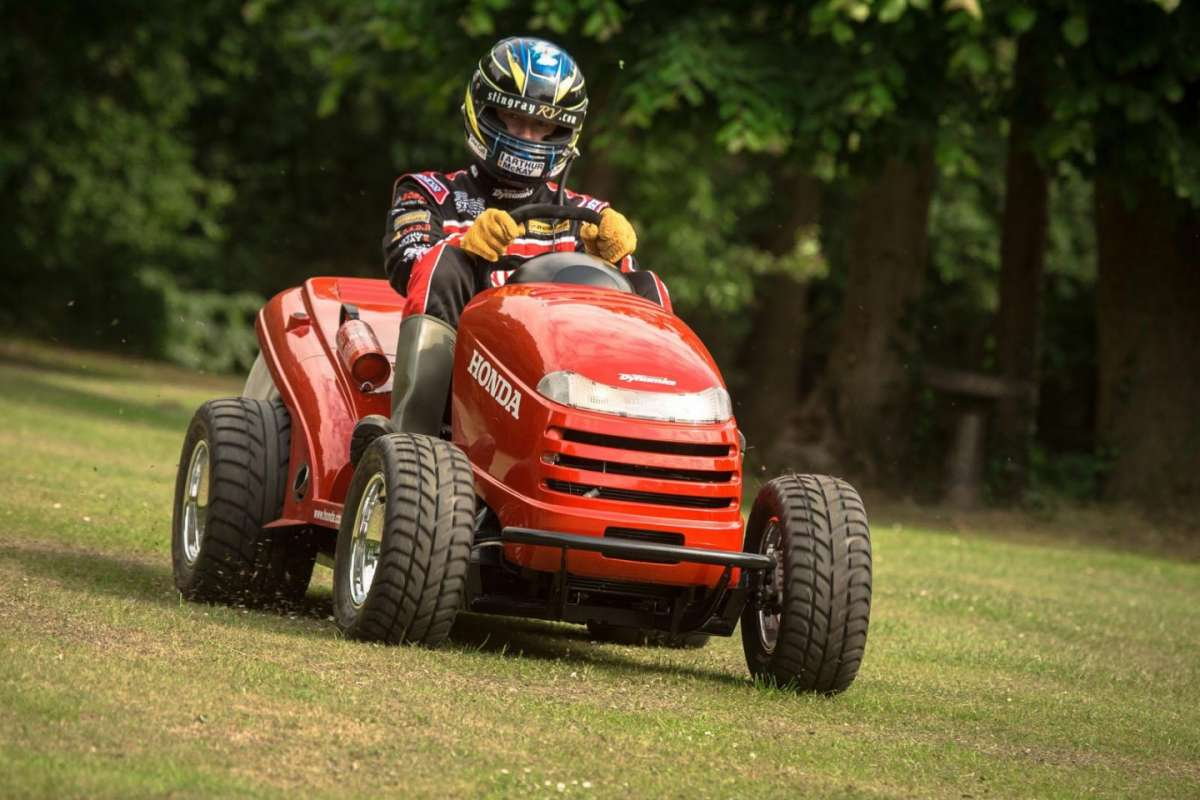 Honda Mean Mower: il tagliaerba più veloce del mondo