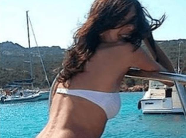 Paola Bacchiddu in bikini per vincere le elezioni con la lista Tsipras