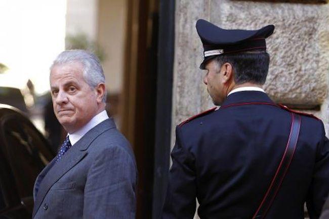 Claudio Scajola: omicidio per omissione per non aver salvato Marco Biagi. L'indagine è aperta