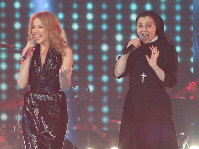 Suor Cristina Kylie Minogue duetto The Voice 2