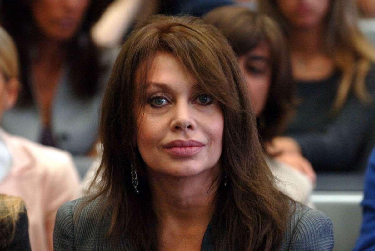 Veronica Lario contro Alfonso Signorini: il direttore di Chi replica alle accuse