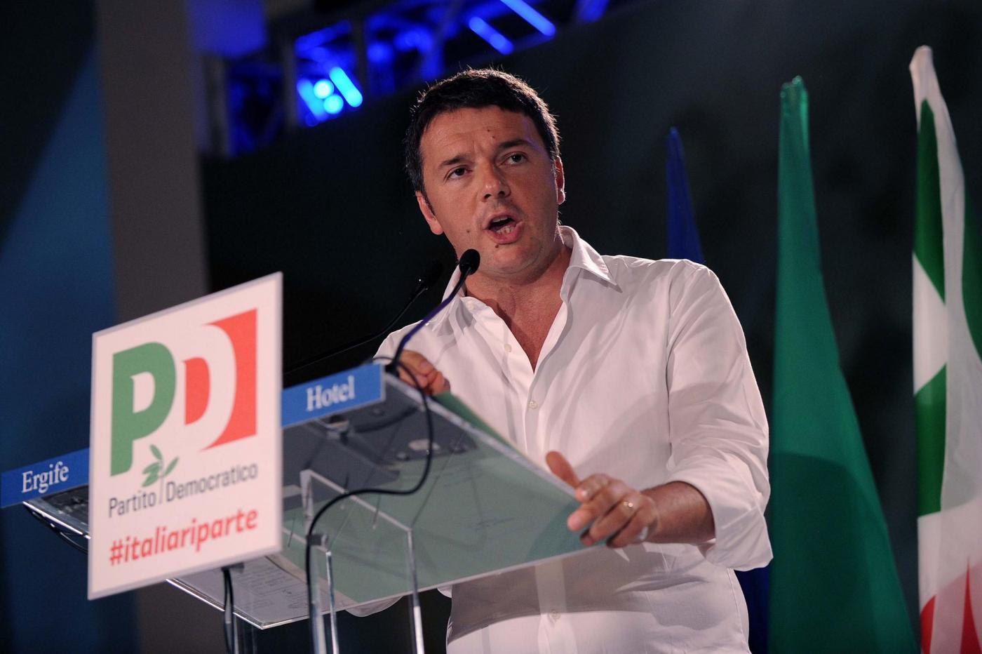 """Renzi all'Assemblea Pd: """"Corruzione? Chi sa denunci"""". Orfini eletto presidente"""