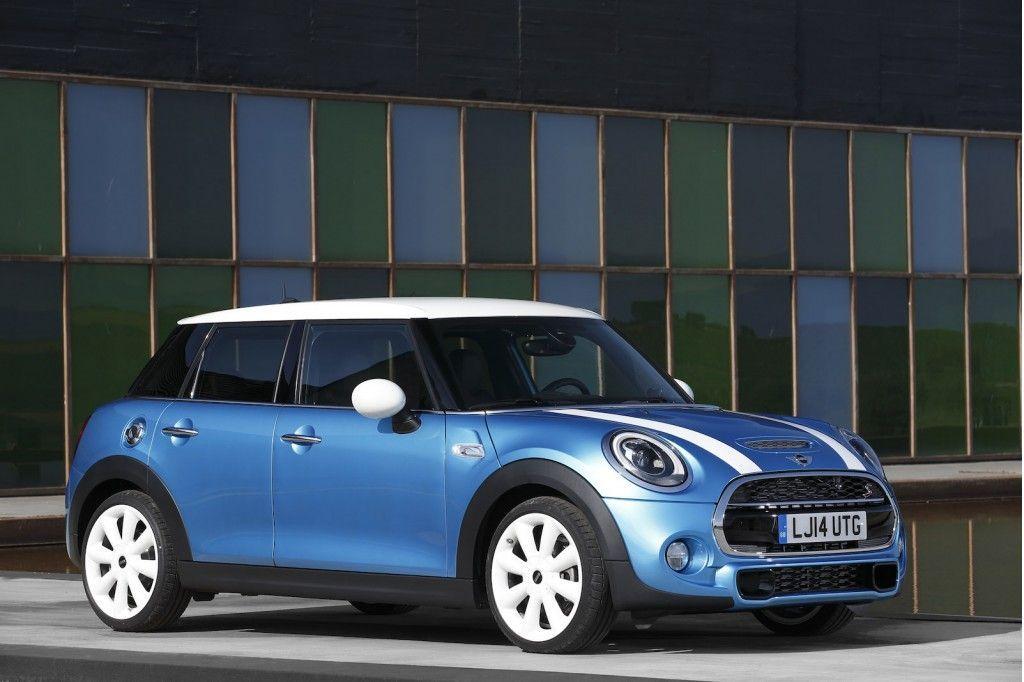 Nuova Mini 5 porte: motori, caratteristiche e prezzi