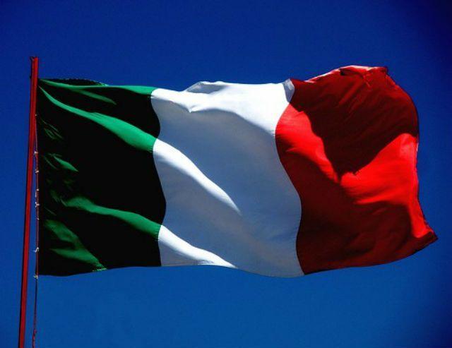 Il significato dei colori della bandiera italiana: cosa rappresentano verde, bianco e rosso?