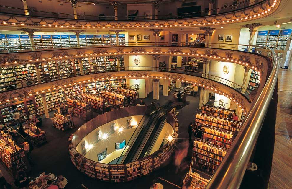 Librerie da sogno e librerie curiose: quando la cultura diventa un'attrazione bellissima