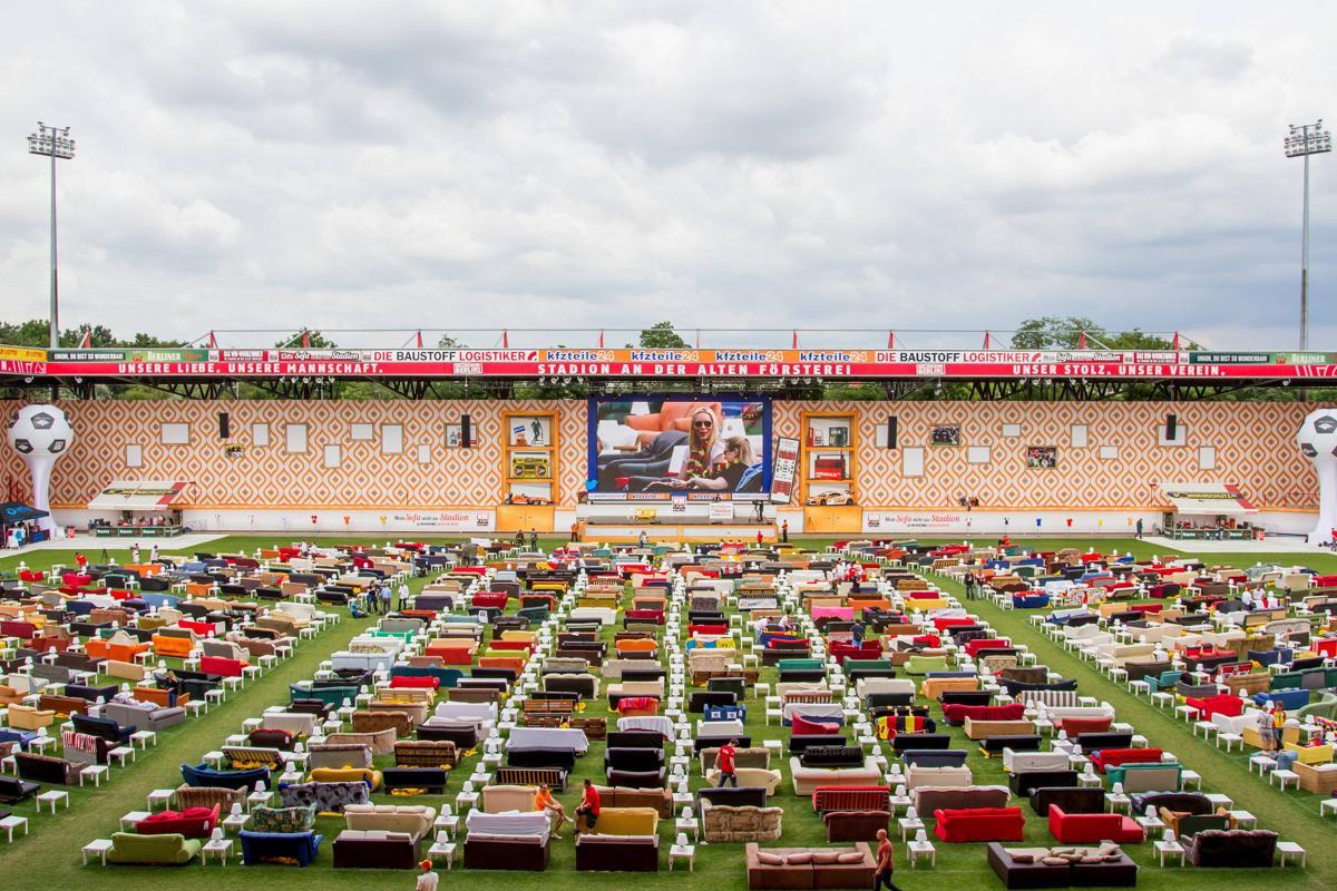 Mondiali 2014: tifosi tedeschi a Berlino allo stadio sul loro divano