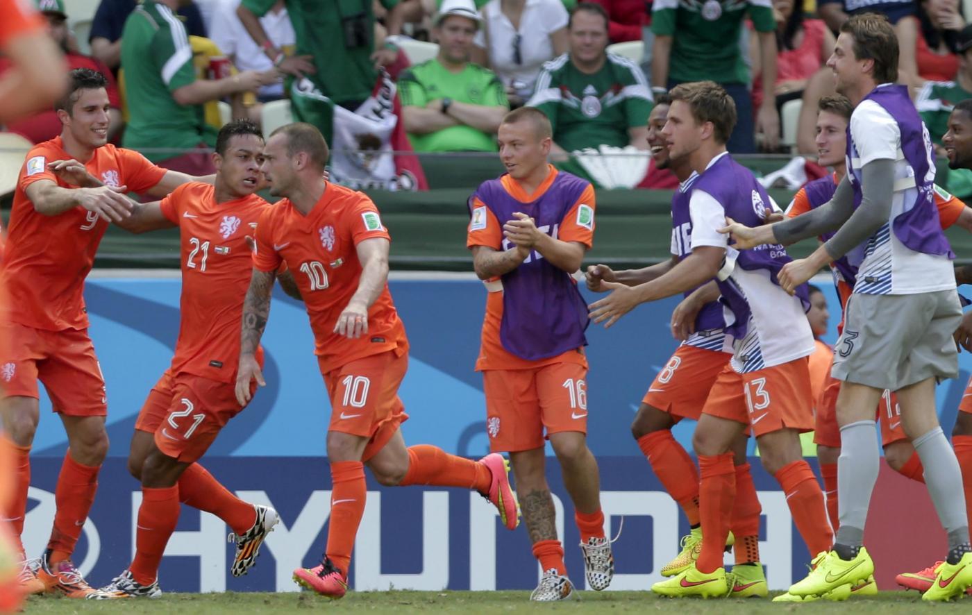 Mondiali 2014, Olanda vs Messico 2-1: zampata finale degli Oranje