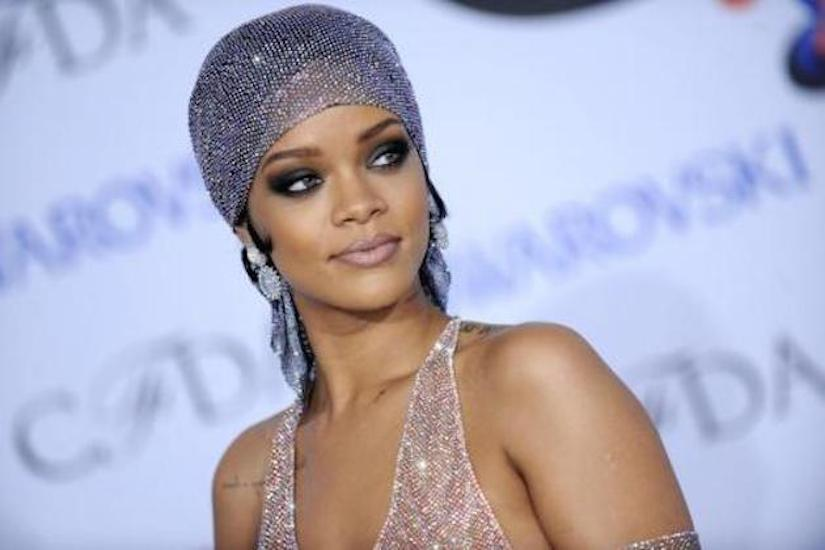 Rihanna ai CFDA Awards 2014 provocante senza veli