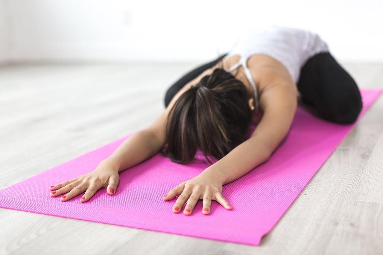 Yoga posizione del bambino