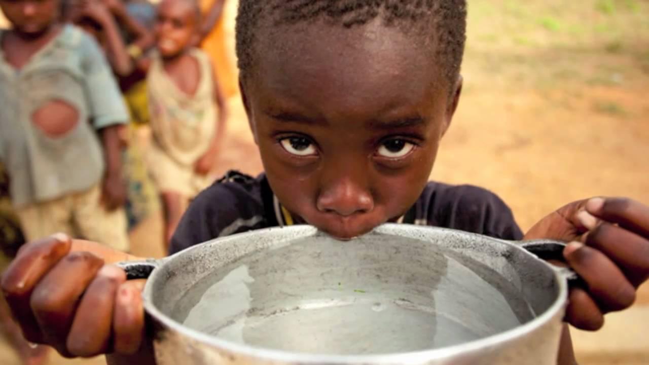 Acqua dolce in via di estinzione: comprata in quantità industriali dalle banche