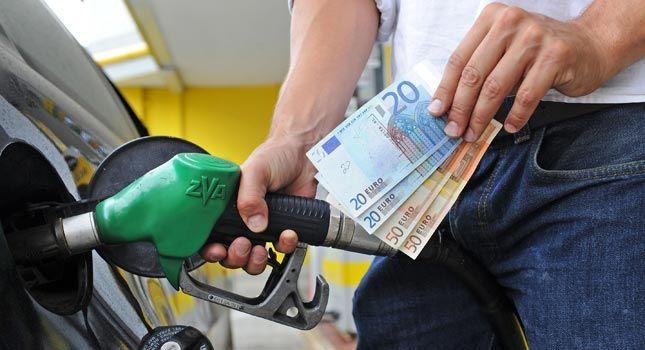 Prezzi benzina: aumenti in vista dell'estate