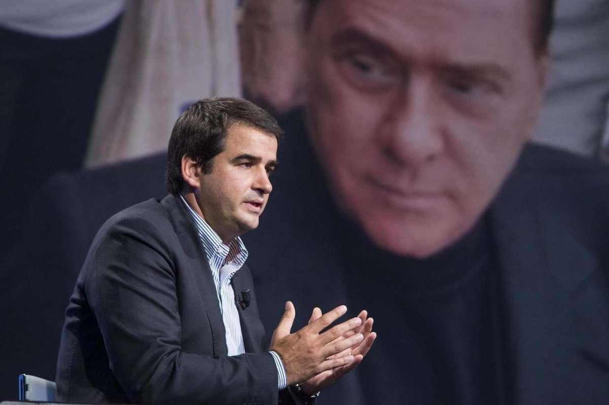 Primarie Forza Italia, è scontro fra Berlusconi e Raffaele Fitto
