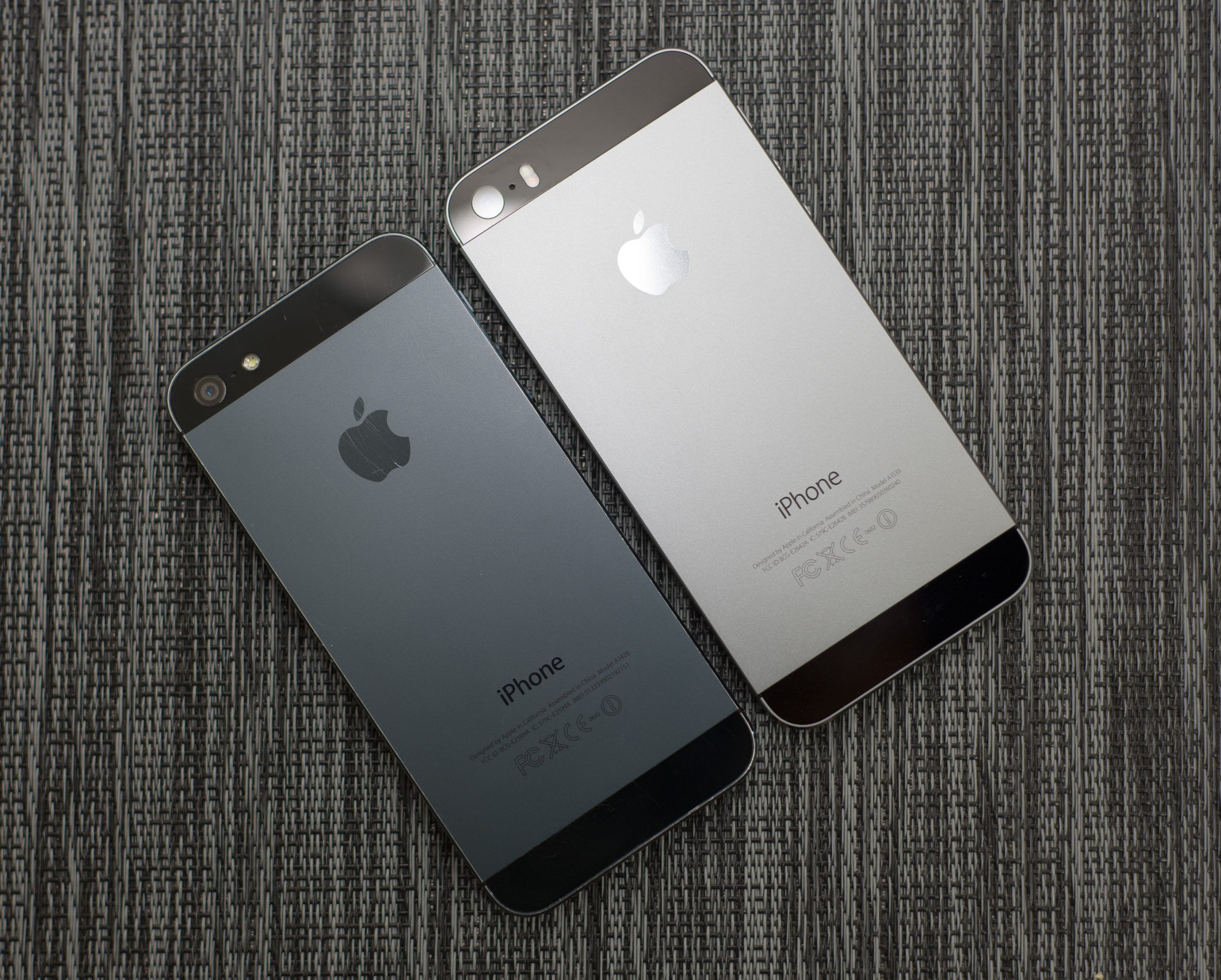 "iPhone 5S vs iPhone 5, confronto tra ""vecchi"" melafonini"