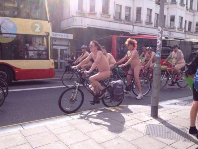 World Naked Bike Ride 2014: tutti in bici senza veli